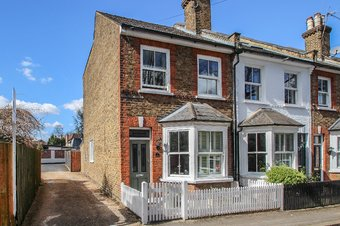 3 Bedroom house Sale Agreed, 1 Station Road, Claygate, KT10