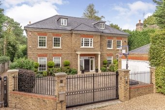 6 Bedroom house For Sale, 11 Green Lane, Cobham, KT11