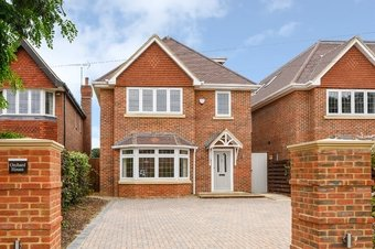 5 Bedroom house For Sale, 14c Waverley Road, Cobham, KT11
