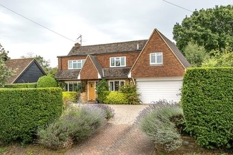 4 Bedroom house For Sale, 196 The Street, West Horsley, KT24