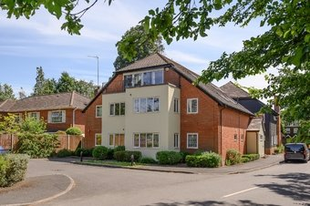 2 Bedroom apartment Sale Agreed, 30 Stoke Road, Cobham, KT11