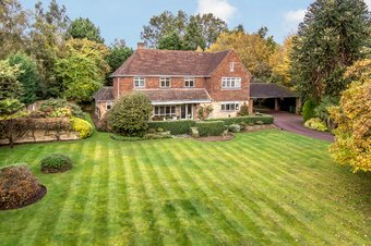 5 Bedroom house For Sale, 34 Meadway, Esher, KT10