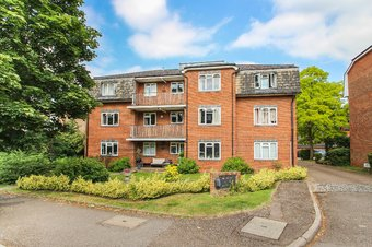 Property Results to let 2 The Willows Grosvenor Billinghurst