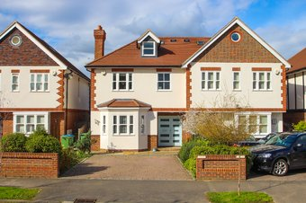 4 Bedroom house Sold, Avondale Avenue, Hinchley Wood, KT10