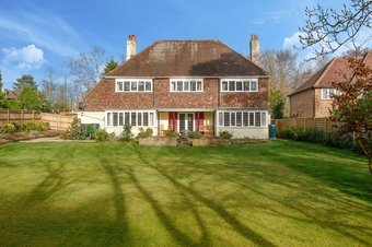 5 Bedroom house Under Offer, Beech Close, Cobham, KT11
