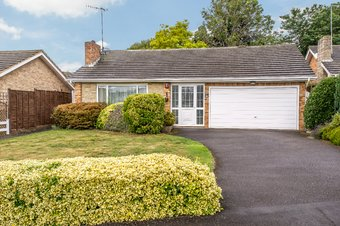2 Bedroom bungalow For Sale, Birch Grove, Cobham, KT11