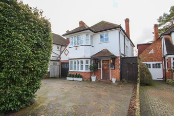 4 Bedroom house Sale Agreed, Claygate Lane, Hinchley Wood, KT10