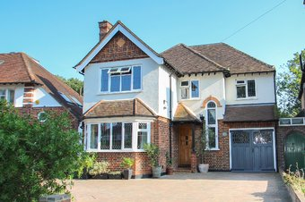 5 Bedroom house For Sale, Claygate Lane, Hinchley Wood, KT10