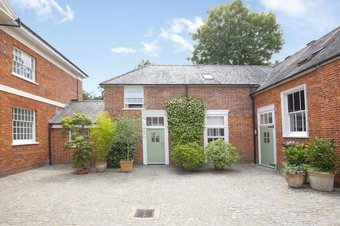 Property Results to let 2 The Mews Grosvenor Billinghurst