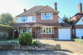 4 Bedroom house Sold, Cumberland Drive, Hinchley Wood, KT10