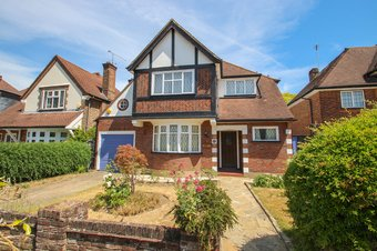 3 Bedroom house Sold, Cumberland Drive, Hinchley Wood, KT10