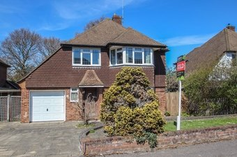 3 Bedroom house Sale Agreed, Derwent Close, Claygate, KT10