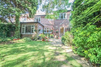 5 Bedroom house For Sale, Devonshire Drive, Surbiton, KT6