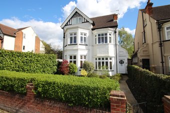 3 Bedroom apartment For Sale, Effingham Road, Surbiton, KT6