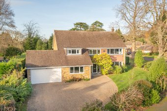 5 Bedroom house For Sale, Fairacres, Cobham, KT11