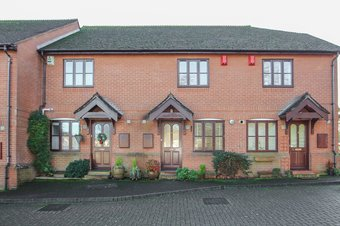2 Bedroom house For Sale, Foley Mews, Claygate, KT10