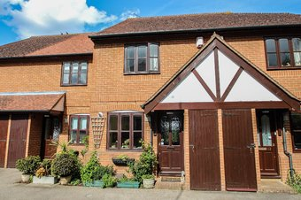 2 Bedroom house Sale Agreed, Foley Mews, Claygate, KT10