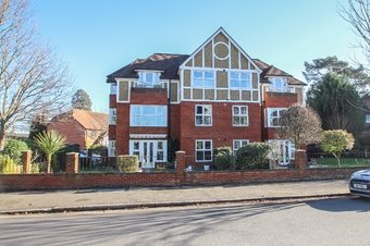 2 Bedroom apartment Under Offer, Foley Mews, Claygate, KT10