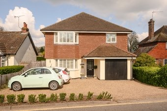 4 Bedroom house For Sale, Forest Road, Effingham, KT24