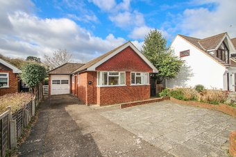 3 Bedroom bungalow Sold, Forge Drive, Claygate, KT10