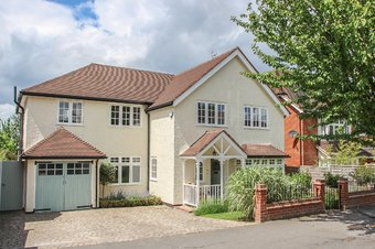 5 Bedroom house Under Offer, Gordon Road, Claygate, KT10