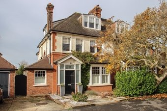 4 Bedroom house Sale Agreed, Gordon Road, Claygate, KT10