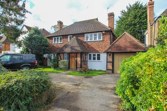 4 Bedroom house Sold, Greenways, Hinchley Wood, KT10
