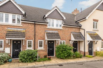 3 Bedroom house For Sale, Halcyon Close, Oxshott, KT22