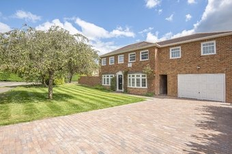 5 Bedroom house For Sale, Hawkhurst, Cobham, KT11