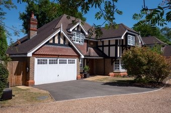 4 Bedroom house Sale Agreed, Hazelway Close, Leatherhead, KT22
