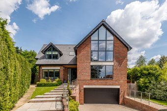 5 Bedroom house For Sale, Heath Ridge Green, Cobham, KT11