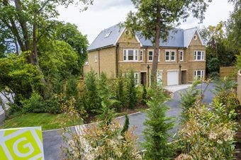 5 Bedroom house For Sale, Leatherhead Road, Oxshott, KT22