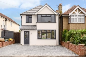 3 Bedroom house For Sale, Leigh Road, Cobham, KT11