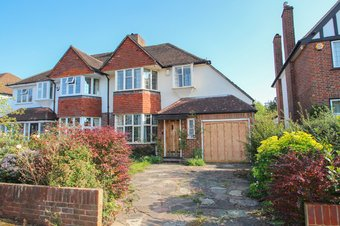 3 Bedroom house Sold, Manor Drive, Hinchley Wood, KT10