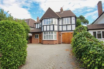 4 Bedroom house Sold, Manor Road South, Hinchley Wood, KT10