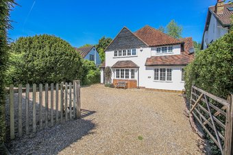 5 Bedroom house For Sale, Milbourne Lane, Esher, KT10