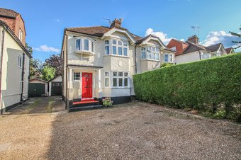 3 Bedroom house Sale Agreed, Milbourne Lane, Esher, KT10