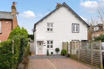 2 Bedroom house Sale Agreed, Portsmouth Road, Cobham, KT11