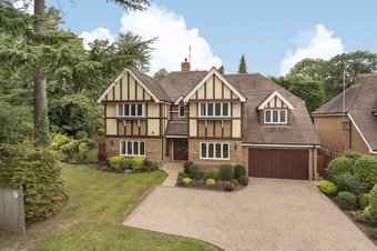 5 Bedroom house For Sale, Sandy Drive, Cobham, KT11