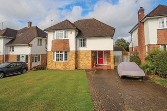 4 Bedroom house Sold, Severn Drive, Hinchley Wood, KT10