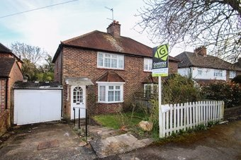 3 Bedroom house Sale Agreed, Simmil Road, Claygate, KT10