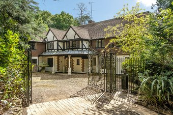 6 Bedroom house For Sale, South Road, Weybridge, KT13