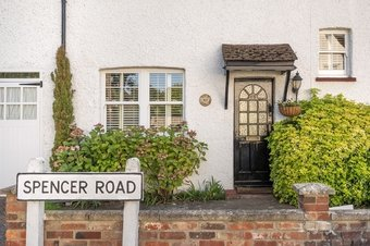 3 Bedroom house For Sale, Spencer Road, Cobham, KT11