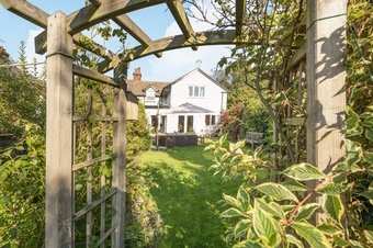 3 Bedroom house Under Offer, Spencer Road, Cobham, KT11