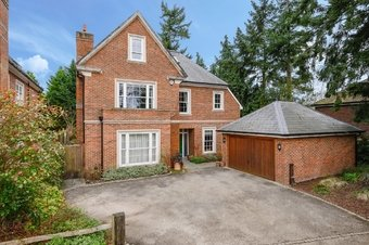 5 Bedroom house Sale Agreed, Spring Place, Cobham, KT11