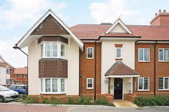 2 Bedroom apartment Sold, St. Andrews Court, KT10