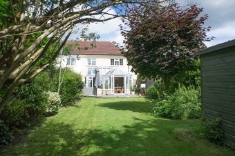3 Bedroom house For Sale, Steels Lane, Oxshott, KT22