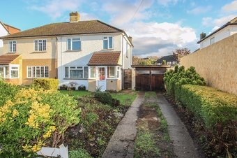 3 Bedroom house Under Offer, Telegraph Lane, Claygate, KT10