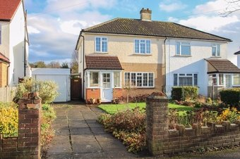 3 Bedroom house For Sale, Telegraph Lane, Claygate, KT10