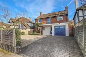 4 Bedroom house Under Offer, The Causeway, Claygate, KT10